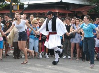 2011_GreekDay_Dancing01